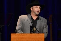 Garth Brooks Releases Digital Music Via GhostTunes